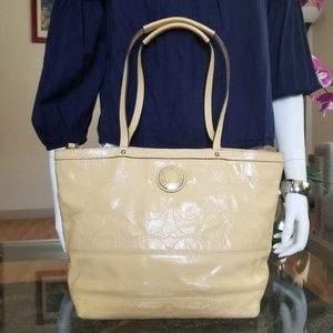 Beautiful COACH Signature Tote